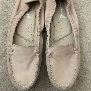 Hush Puppies slip on loafer. Size 8.